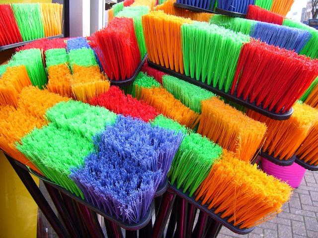 narzędzia do sprzątania w domu