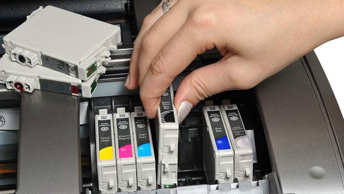 Oryginalny tusz do drukarki, czy zamiennik?
