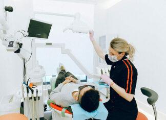 Wizyta u laryngologa