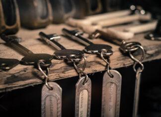 Solidne szafki na klucze