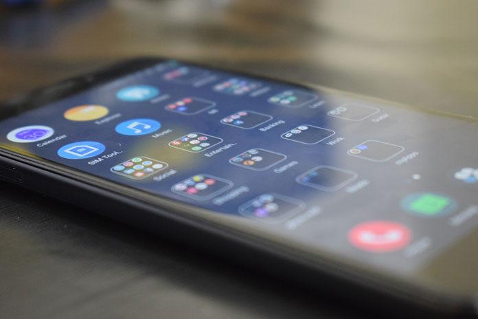 Czym wyróżnia się szkło hybrydowe do Xiaomi Redmi 9